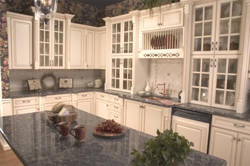 Sarah Richardson Lovely ivory cream kitchen cabinets glass pendant