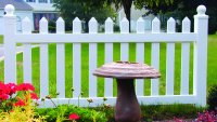 3' Vinyl Level Picket Fence